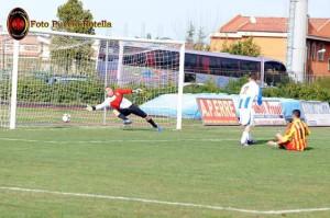 Genovese, nella foto in gol contro il Viagrande, potrebbe essere riconfermato