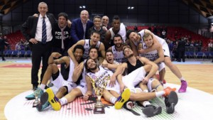 I giocatori di Biella ritratti dopo la conquista della Coppa