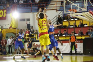 Demian Filloy in azione con Napoil, per il giocatore naturalizzato parole d'elogio spese da coach Calvani