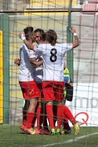 L'esultanza per il gol di Costa Ferreira