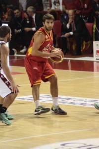 Il playmaker di Veroli Giovanni Tomassini
