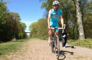 Nibali sull'acciottolato della Roubaix