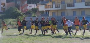 I giocatori della Reggiomediterrane vanno a festeggiare la qualificazione con i propri sostenitori (scatto di R.S.)