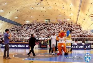 Coreagrafia tifosi Orlandina Basket al PalaFantozzi