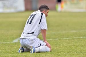 Maurizio Vella sconsolato a fine partita (foto Giovanni Isolino)