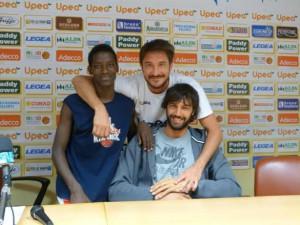 Gianmarco Pozzecco con il giovanissimo Samson Carianni e Gianluca Basile