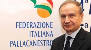 Il presidente della FIP Gianni Petrucci