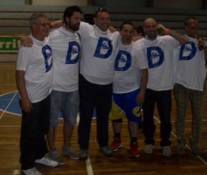 Foto di gruppo dei dirigenti e tecnici dell'Aquila Nebrodi