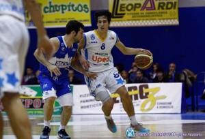 Il playmket Laquintana in azione con l'Orlandina