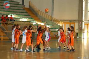 La palla a due della finale tra Alma Patti e Ragusa