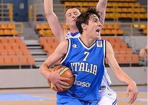 Tommaso Laquintana in azione con la maglia azzurra