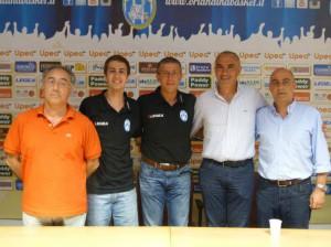 I dirigenti e l'allenatore dell'Upea Orlandina