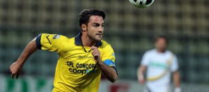 Armando Perna in azione con la divisa del Modena