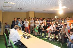 Sala stampa del San Filippo gremita dai tifosi (foto Paolo Furrer)
