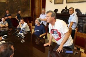 Nino Martorana nel corso della conferenza stampa del primo cittadino (foto Paolo Furrer)