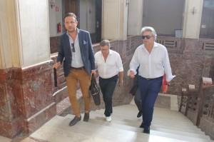 L'arrivo di Fiumanò, Lo Monaco e Patti al Municipio