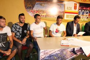 Esposito, Altobello, Paez e Stampa al fianco di Ferrigno nel giorno della presentazione: il venezuelano e l'ex livornese verso l'addio
