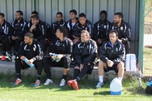 La nutrita panchina dell'ACR Messina, che accoglie ben 15 calciatori (foto Paolo Furrer)