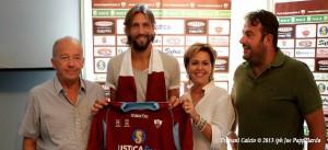 La conferenza stampa con cui venne presentato l'estate scorsa a Trapani