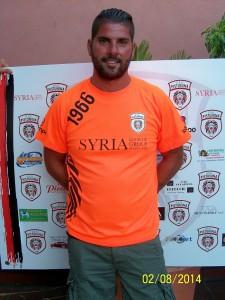 Davide Fugazzotto in posa con la nuova maglia del Pistunina (scatto di R.S.)