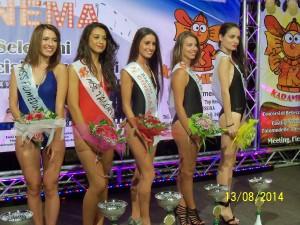 Le 5 premiate di Fiumedinisi: da sinistra Maria Luisa Repici, Daniela De Francesco, Angela Brescia, Federica Lamberto ed Alessia Guerrera (scatto di R.S.)