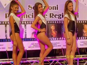 Posa sbarazzina per le tre finaliste nazionali: Benedetta Ambriano, Abgela Brescia e Desy Mazza (scatto di R.S.)
