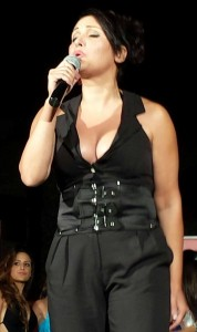 la bella e brava cantante Carmen Villalba