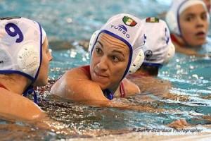 Silvia Bosurgi con la calottina della Nazionale, con cui ha vinto davvero tutto, oro olimpico compreso