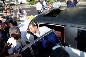 Nibali arriva al Vittorio Emanuele dove è accolto dai tifosi festanti (foto Giovanni Mazzullo)