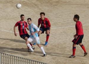 Fabio Buda con la maglia biancoceleste del Pachino (scatto tratto dal gruppo facebook del Pachino Calcio)