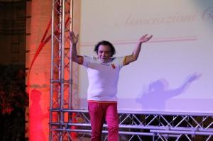 Il noto attore messinese Nino Frassica è stato accolto da un'ovazione