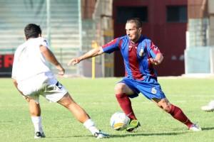 Ancora Mounard in azione con la maglia della Salernitana nell'anno della promozione dalla D alla C2: contribuì con 11 reti