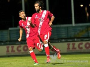 Marco Giovio esulta per una rete realizzata con la maglia del Grosseto contro il Venezia