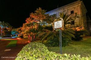 L'accesso alla Walk of fame sul lungomare Canapè di Gioiosa Marea