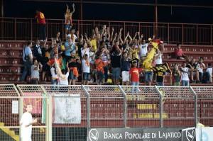 I tifosi del Messina presenti a Pontedera