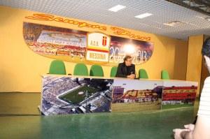 Il patron dell'ACR Messina Pietro Lo Monaco nel corso della conferenza stampa pre-partita (foto Paolo Furrer)