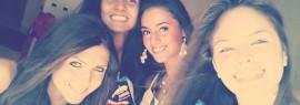 Da sinistra Benedetta Ambriano, Serena Mantese, Angela Brescia e Desy Mazza mentre festeggiano, appena approdate ad Acireale