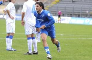Pietro Balistreri esulta per una rete realizzata con la maglia del Foligno