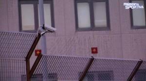 Una delle nuove telecamere della videosorveglianza installate al San Filippo. Garantite riprese ad alta definizione anche degli esterni