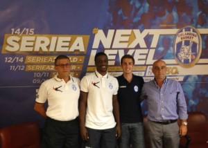 Coach Griccioli, Jonny Flynn, il d.s. Giuseppe Sindoni e il vice presidente Carmelo Perrone