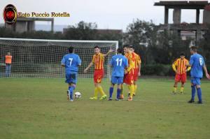 Una fase di gioco della sfida contro il Siracusa (foto Rotella)