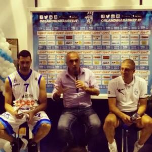 Il capitano Matteo Soragna, il presidente Enzo Sindoni e il coach Giulio Griccioli