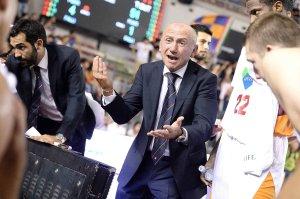 L'allenatore della Virtus Roma Luca Dalmonte
