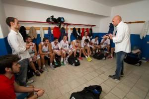 Il tecnico Giuseppe Condello parla alla squadra