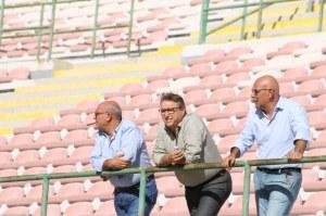 Il patron Lo Monaco sugli spalti (foto Paolo Furrer)