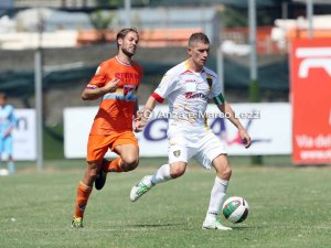 Lecce impeccabile in casa con tre successi in tre gare. In trasferta invece appena 2 punti in 270'