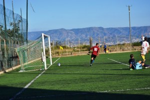 L'Atletico Pedara è la nuova vice-capolista. Nello scatto di Omar Menolascina la rete siglata da Manca nel match con il Pistunina