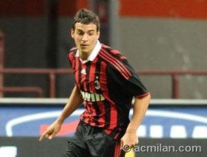 Marco Gaeta ancora con la maglia rossonera