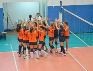 Le peloritane celebrano il successo conquistato contro lo Jonio Volley