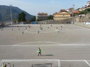 Una fase del match tra Santangiolese e Rocca di Caprileone